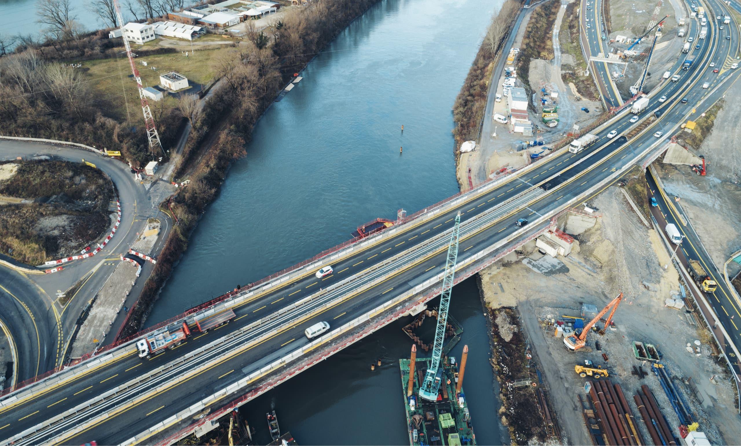 travaux sur le viaduc de l'Isère vue du ciel