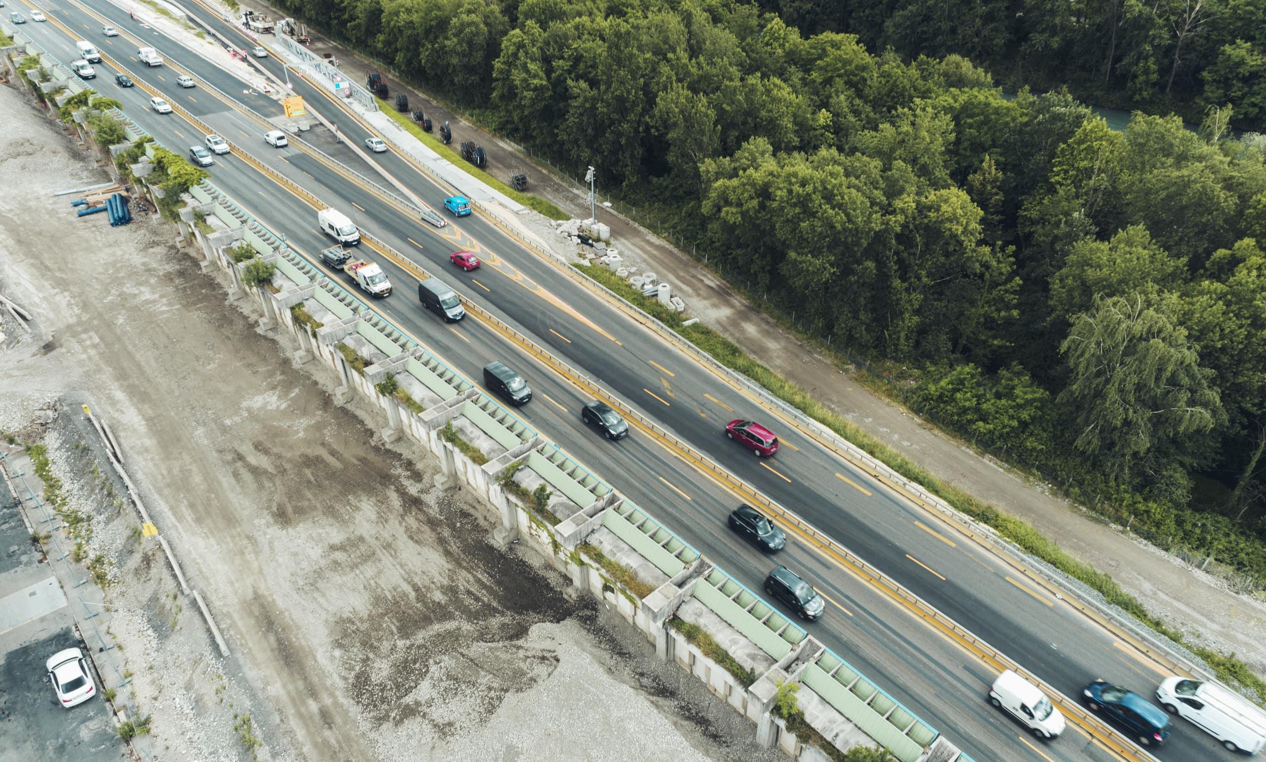 Travaux sur l'A480 à Mistral, quartier de Grenoble autour du mur acoustique
