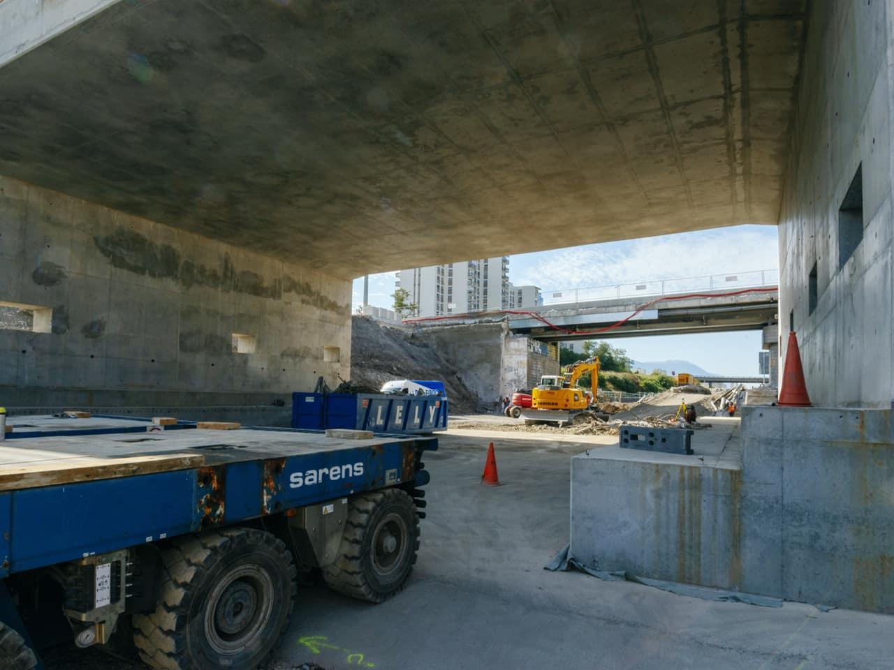 Nouveau tablier du pont de Catane à Grenoble, avant le ripage de celui-ci