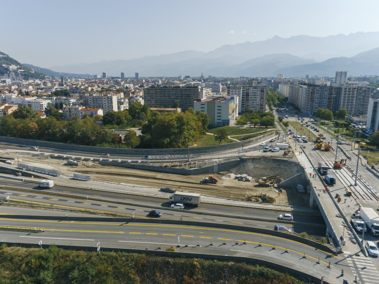 bretelle de sortie du diffuseur de Catane en direction de Grenoble depuis Sisteron sur l'autoroute A480