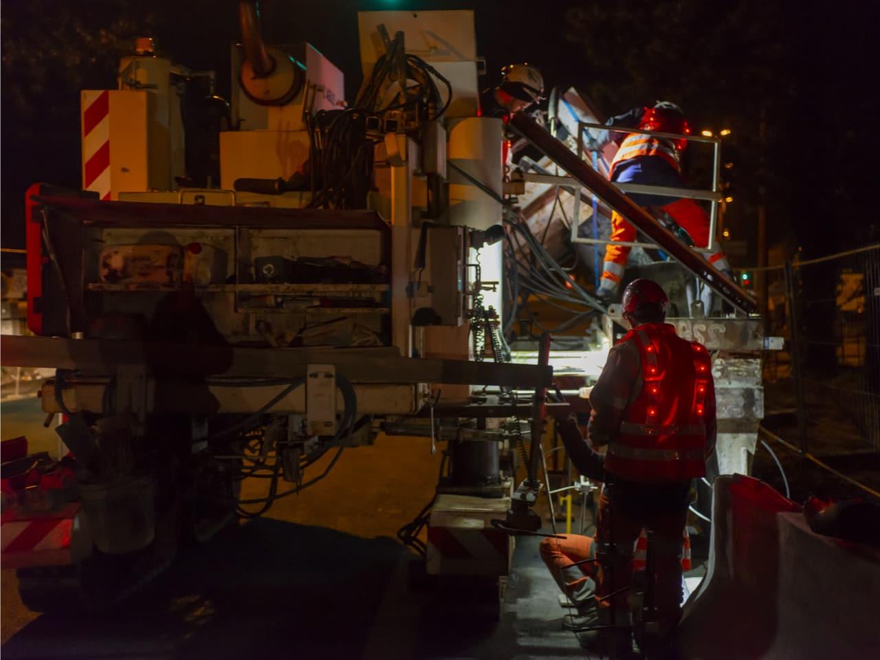 aménagement de l'A480 par les agents d'AREA durant la nuit sur le bassin grenoblois