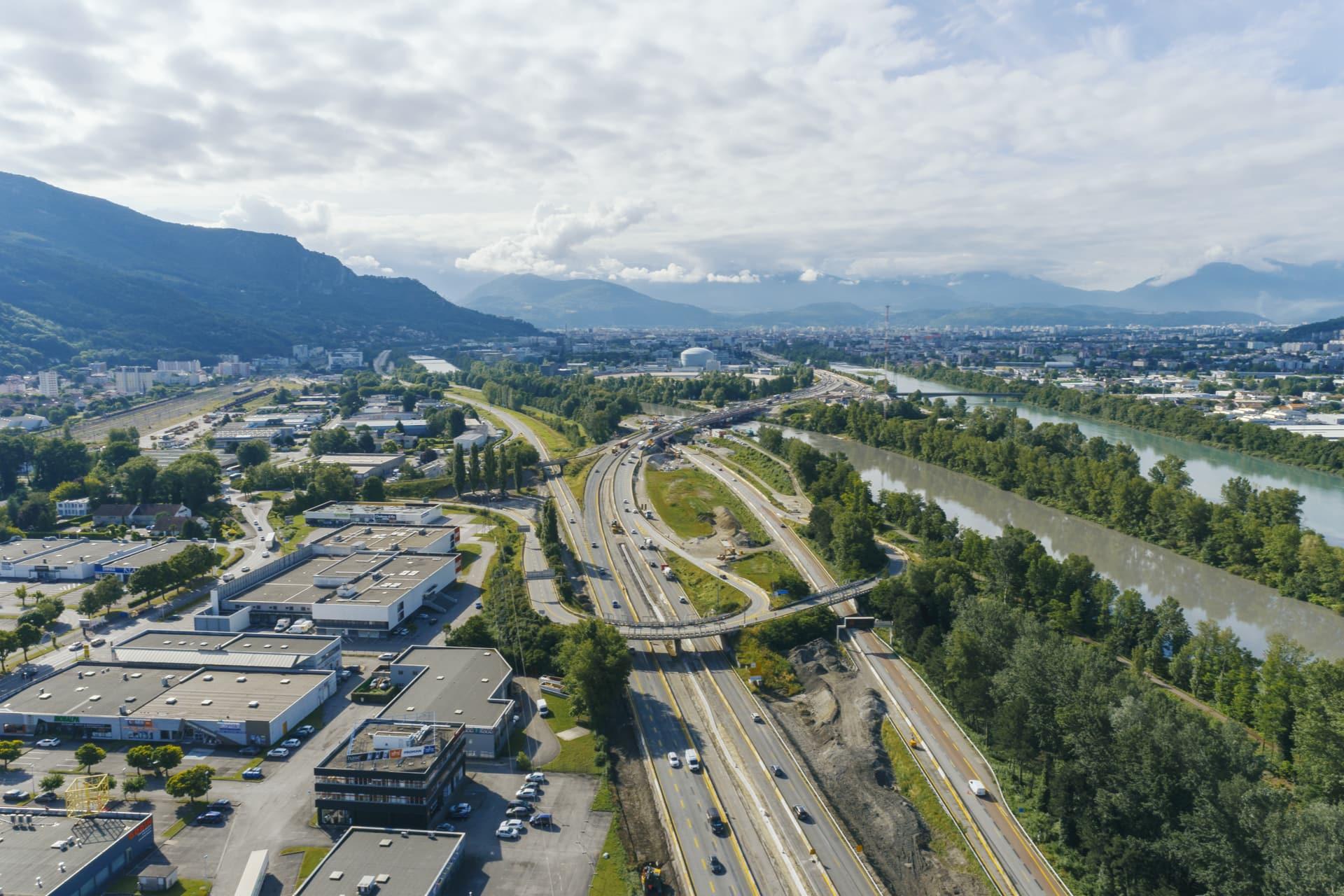 Améangement par AREA de l'autoroute A480 sur Grenoble vue du ciel