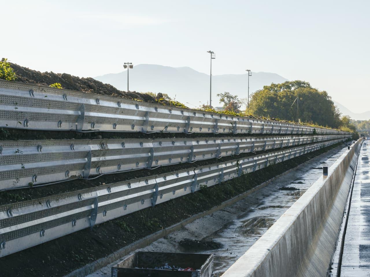 Le nouveau mr acoustique végétalisé Naturawall le long de l'autoroute A480 sur Grenoble