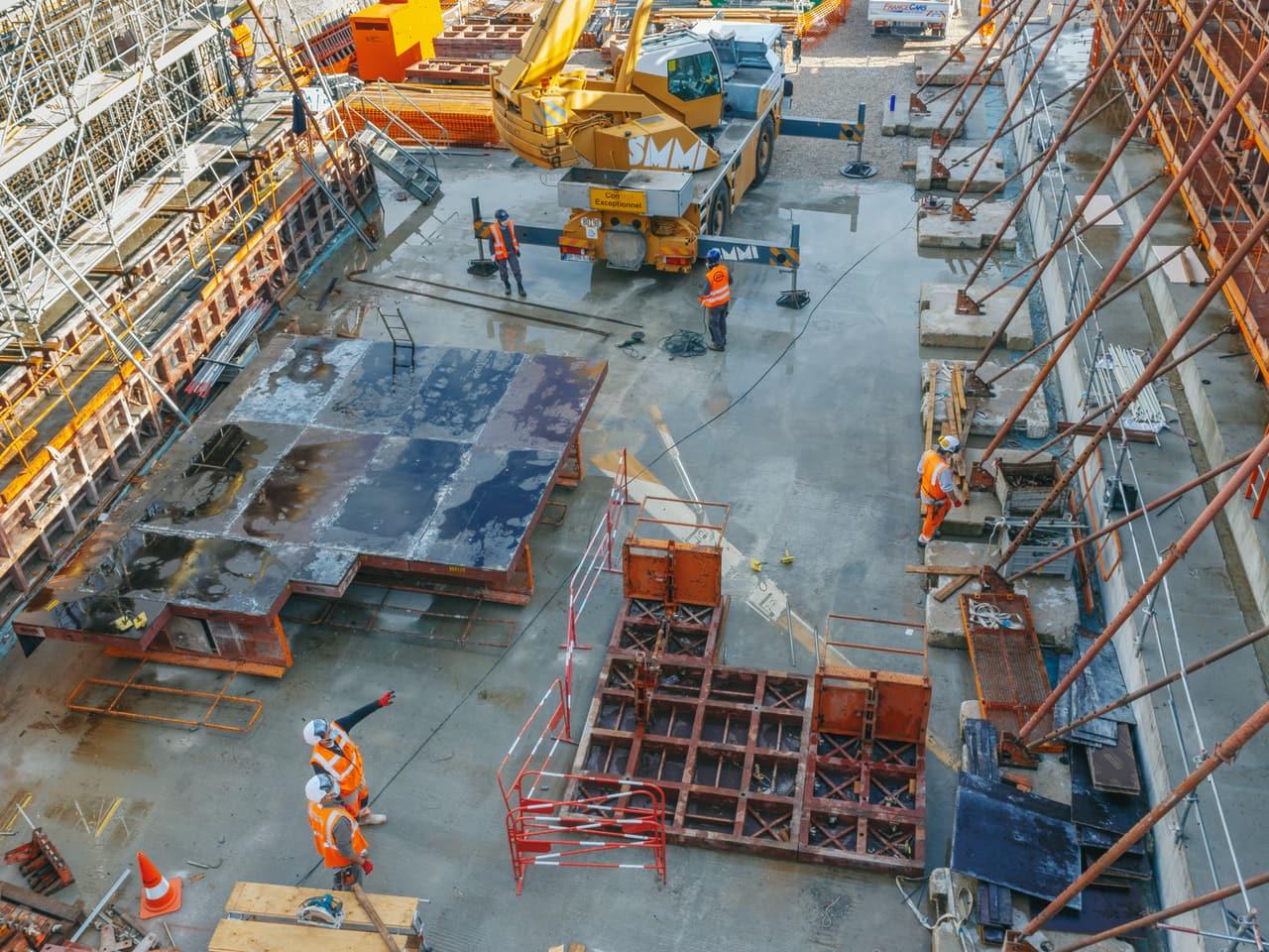 Les équipes d'AREA sur le chantier de l'aménagement de l'autoroute A480