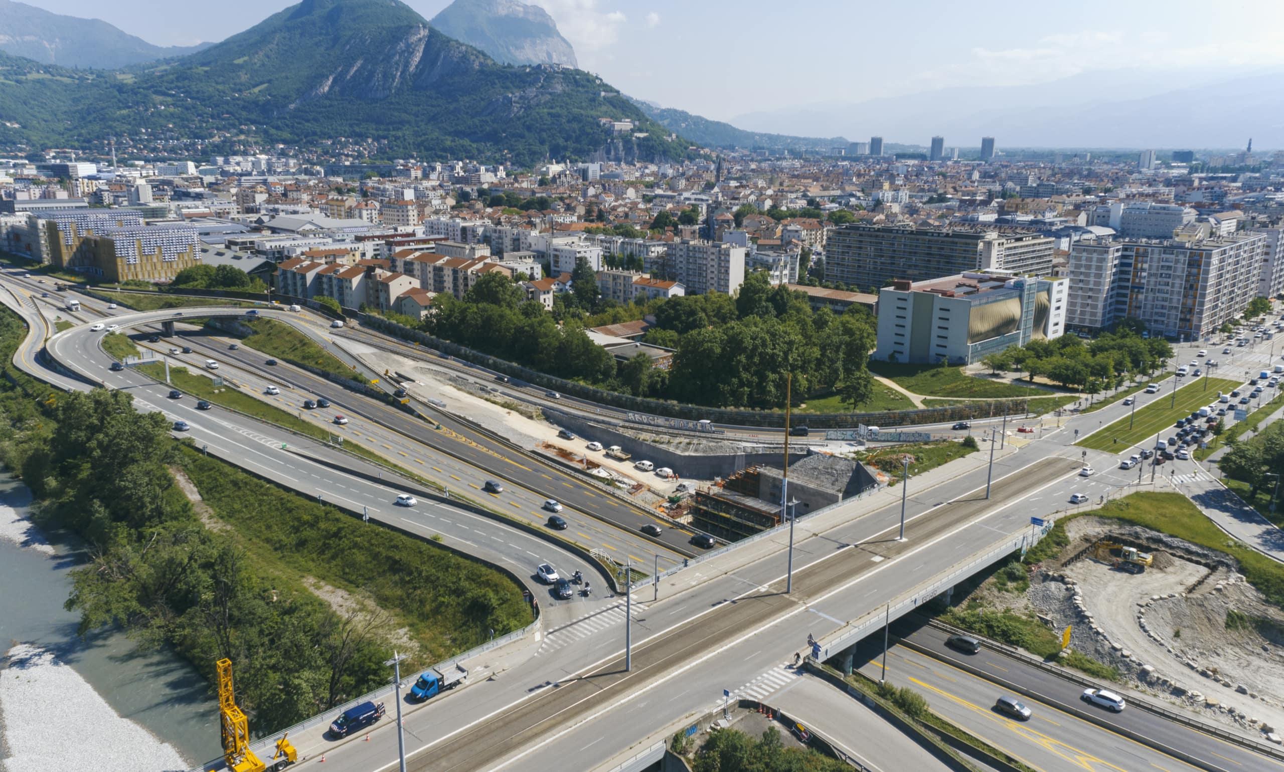 nouvel écran acoustique le long du parc Joseph-Vallier à Grenoble