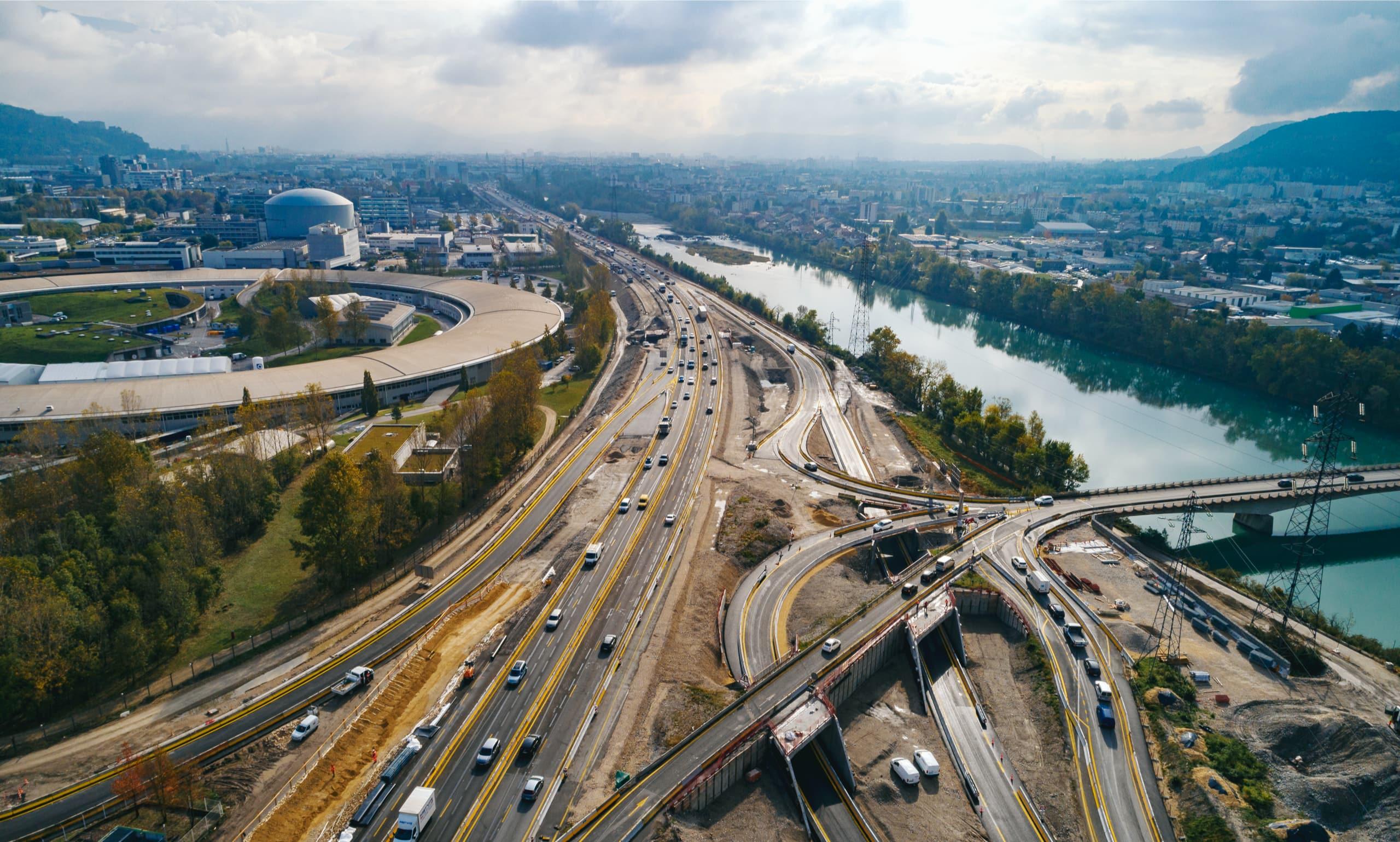 autoroute urbaine A480 traversant l'agglomération grenobloise