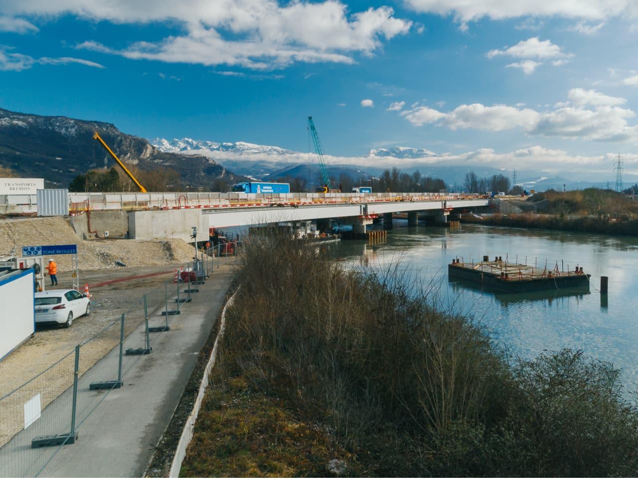 piste cyclable sur la rive droite de l'Isère à Grenoble