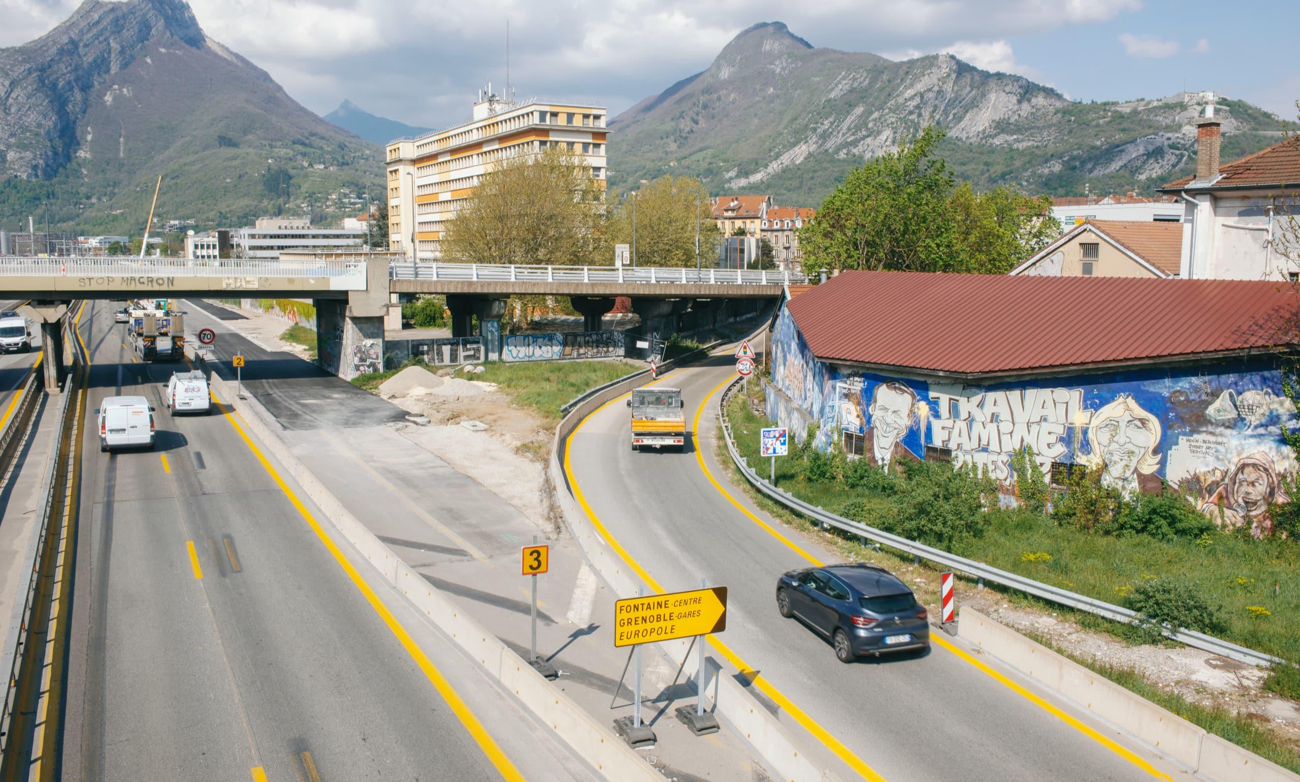 Bretelle de sortie de l'autoroute a480 au niveau du pont de Vercors à Grenoble