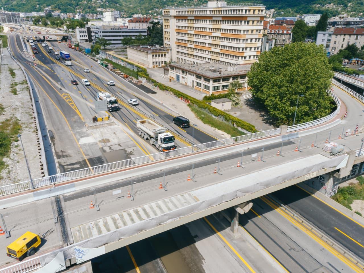 Travaux de rénovation sur le pont d'Esclangon à Grenoble
