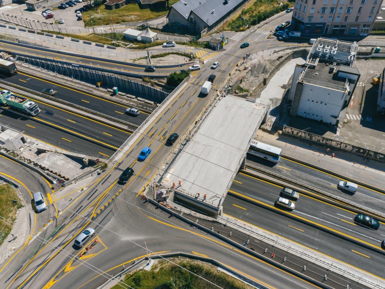 Travaux au diffuseur de Vercors (n°2) sur l(autoroute A480 à Grenoble
